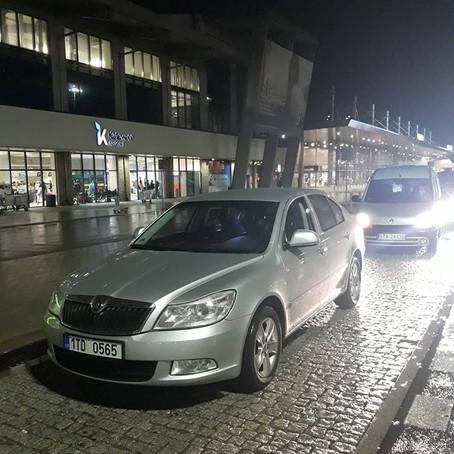 Ranní Katowice. Odvoz z letiště do Ostravy. ODVOZ NA/ Z LETIŠTĚ. ODVOZ SVATBY.