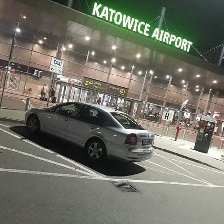 Odvoz z Ostravy na letiště Katowice. ODVOZ NA/ Z LETIŠTĚ. ODVOZ SVATBY.