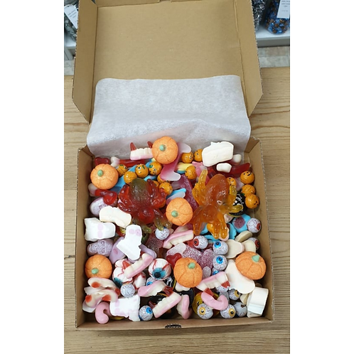 Halloween sharing pizza box mix