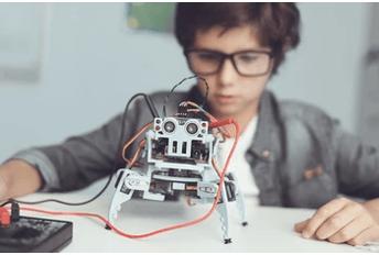 Programmierkurse und Wochenkurse füby Smart Generation Kinder