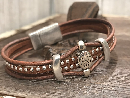 Double silver dotted suede bracelet with silver sliders