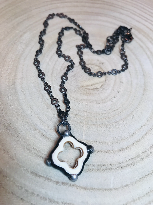 Soldered Howlite Natural Stone Clover Necklace