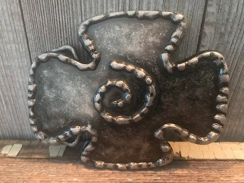 Metal swirl belt buckle