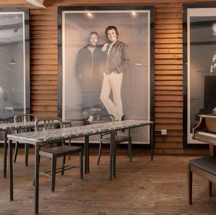 Meet Piano Lounge