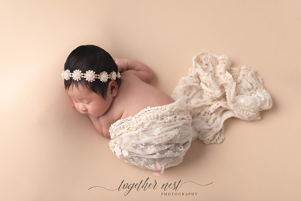Melbourne South East VIC newborn maternity cake smash photographer Together Nest Photography By Prim Chieng