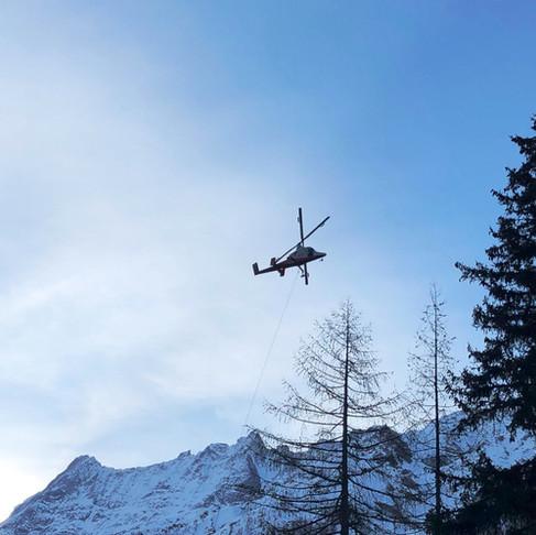 Transport à l'hélicoptère d'un alternateur 360kVA