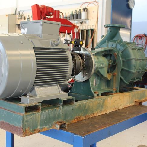 Montage d'un moteur 45kW, alignement au laser