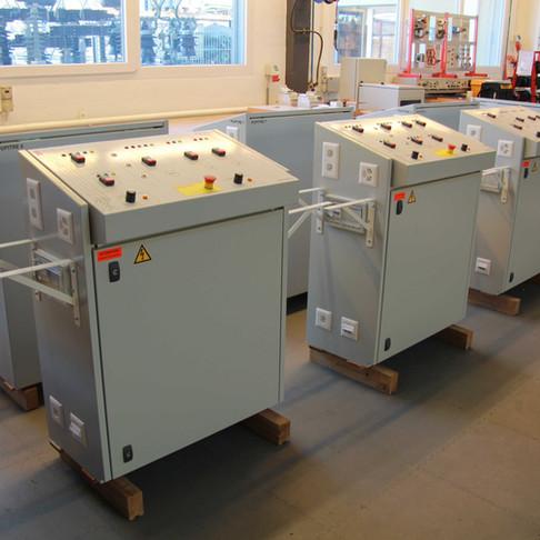 Fabrication de 8 pupitres de commande pour laboratoire de formation