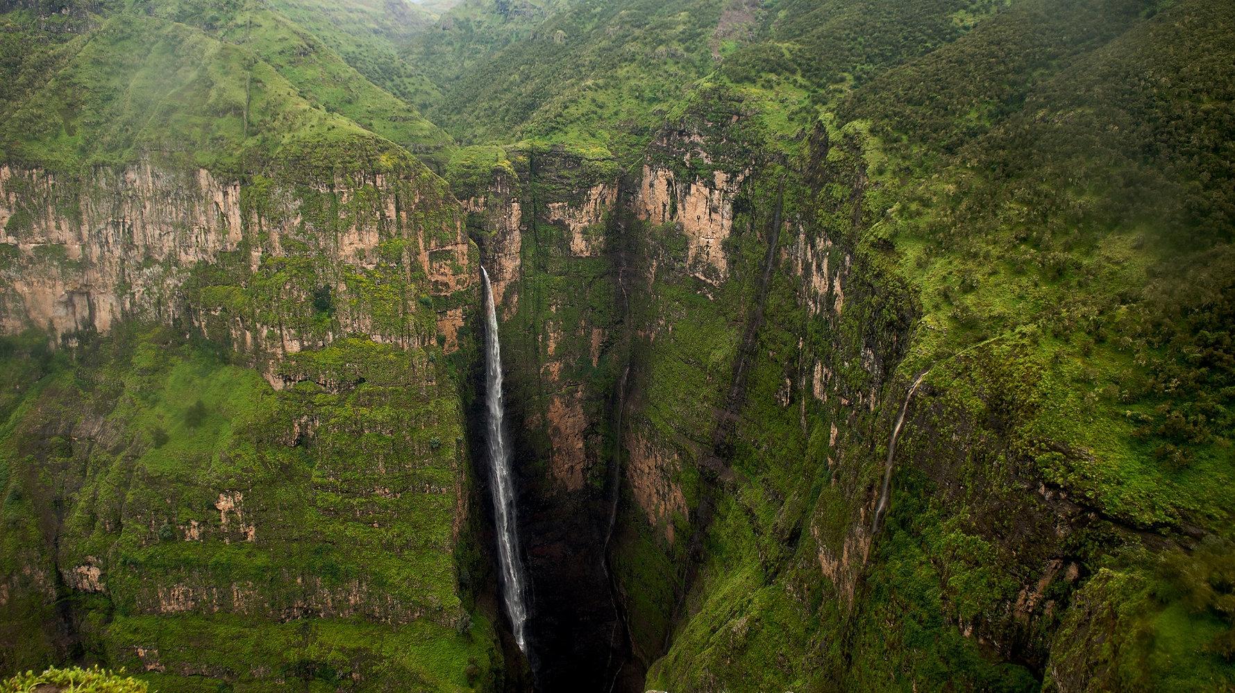 5-Ras-Dashen-Simien-Mountains-Ethiopia.j