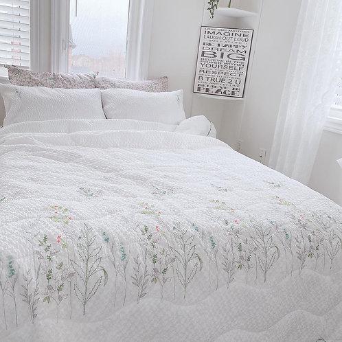 Cool Summer White Fresh Comforter Set_Queen