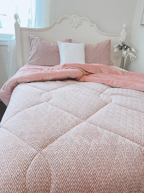 Modern Warm and Super Soft Mink touch microfiber Comforter Set