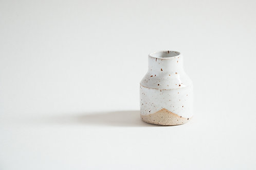 simple design flecked candle holder