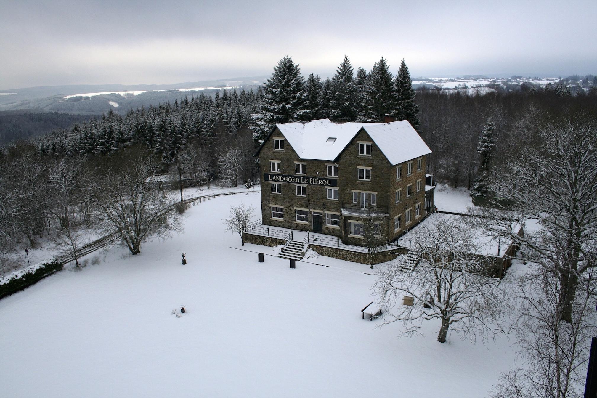 Ardennen Landgoed Le Herou buiten sneeuw