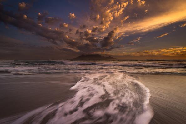 Moody Blouberg Beach