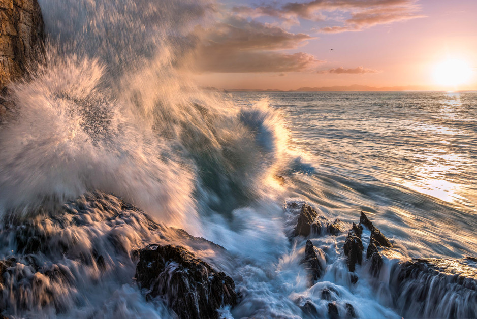 Gordonsbay Crashing Waves