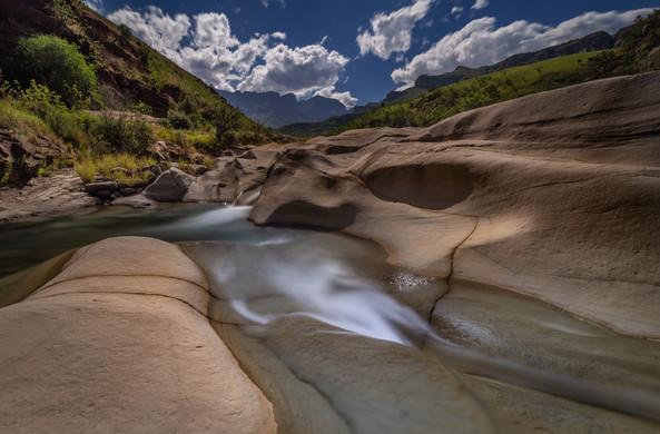 Mnweni River