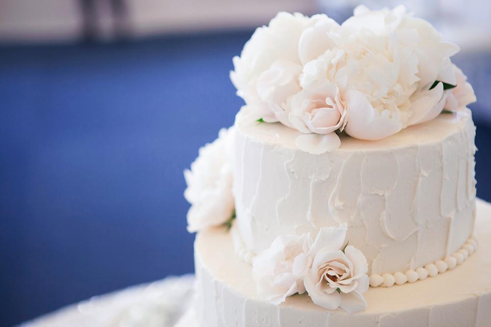 Buttercream wedding cake with peonies