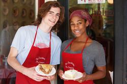 stockholm-pie-shop-employee-0855