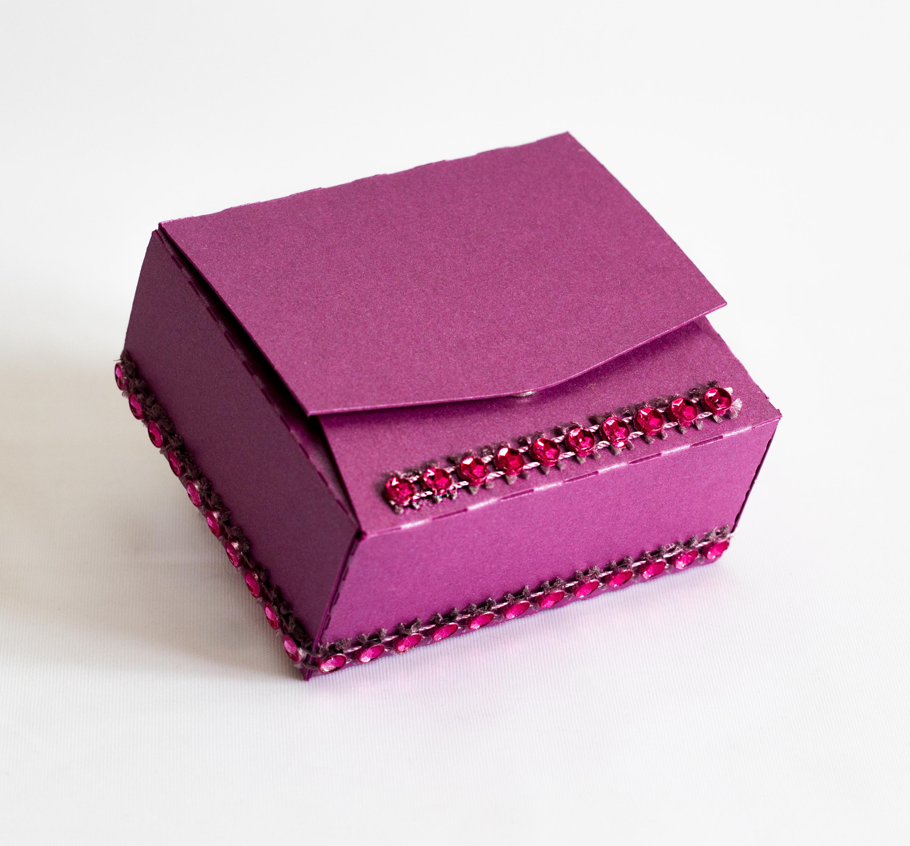 Iyla Favour Box