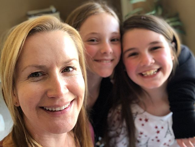 With Angela Kinsey and Sophie Grace on set