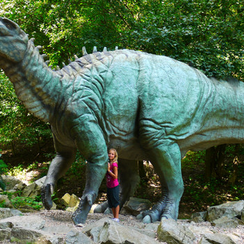 Tell me about: Iguanodon - A Quick Guide for Kids