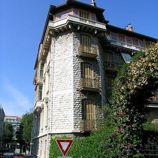 115502-palais-barety-cote-cour.jpg