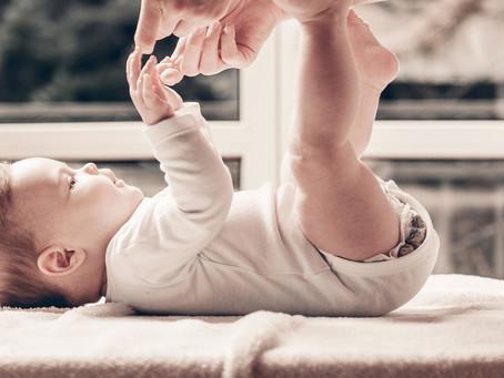 Как играть с новорожденным
