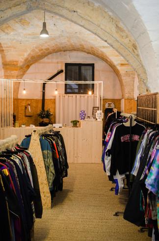 Intérieur de la boutique de seconde main LeeBerthy Shop