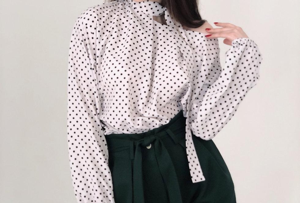 Блузка с воротником -завязкой