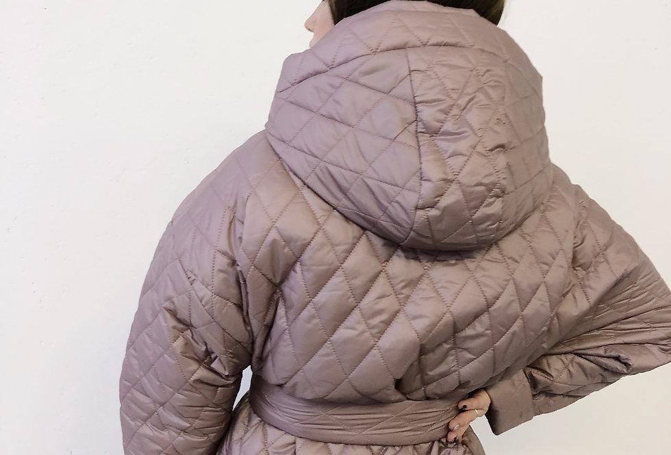 Стеганая куртка с накладными карманами и капюшоном