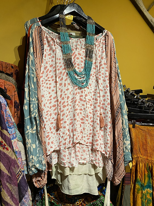 Three patterned butterfly top