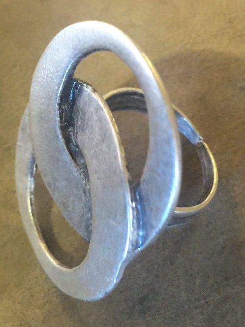 Joined circles silver ring