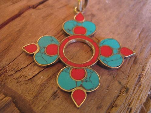 Clover pendant with coral and turquoise