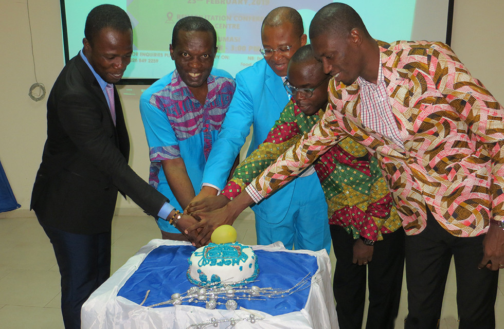 Invited Guests & Patron Cut Association Launch Cake