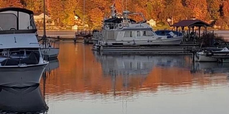 fall boats in water.jpg