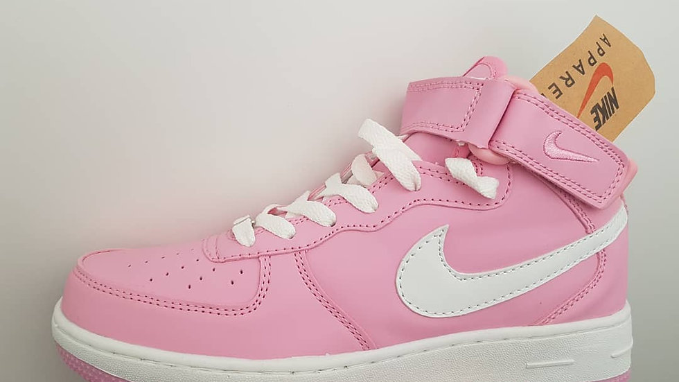 Nike Force розового цвета