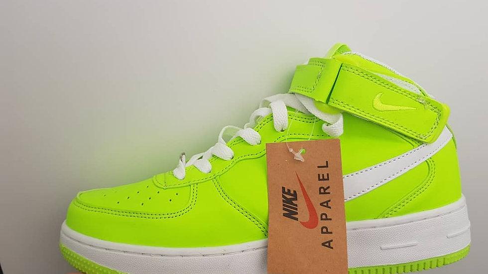 Nike Force ярко зеленого цвета