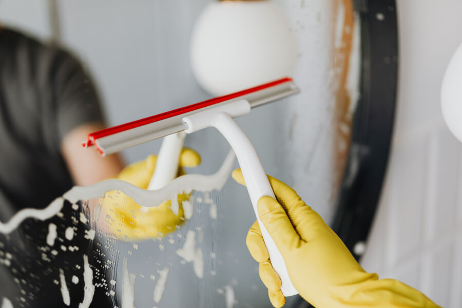 how to clean a messy house in one day