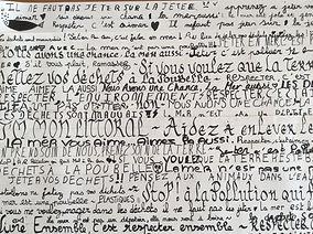 heidi moriot/artiste/atliers/intervenant/poubelles/tri selectif/mairie verdon sur mer/dechets/collages/mer/océan/gommettes/slogan/calligaphie/enfants