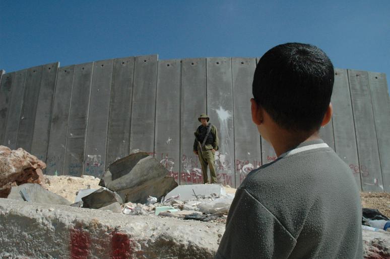 ¿Cómo Pretende Trump que México pague por el Muro?