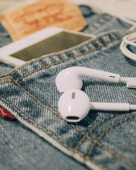 MUST LISTEN: PODCASTS FOR CREATIVES