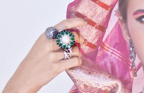 Anello con Perla, Smeraldi e Zaffiri