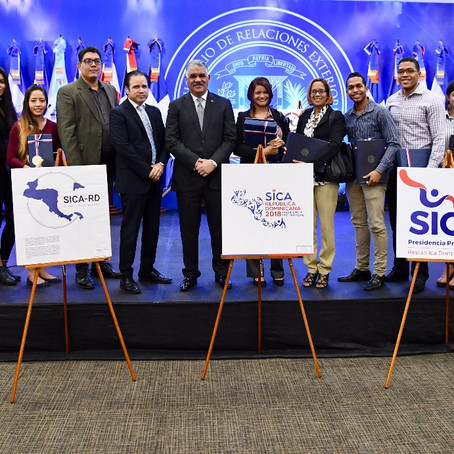 Premiación diseño logo PPT-SICA 2018