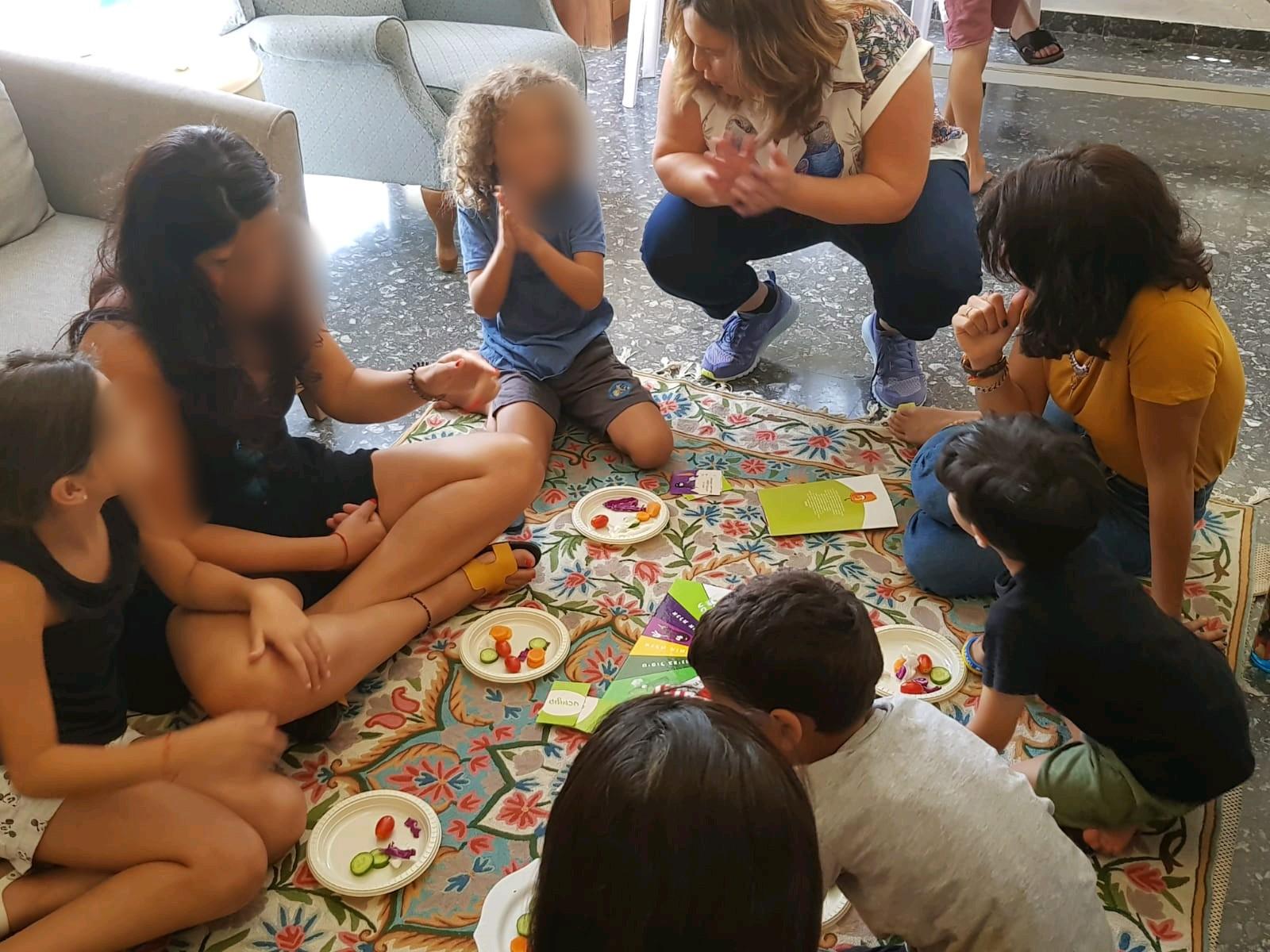 פרדסיה הורים וילדים משחקים שחקו אותה ברי