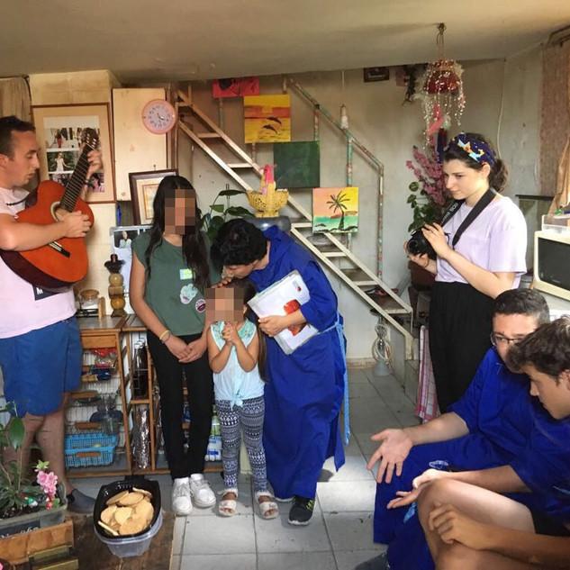 Mission de rues chez les familles pauvres