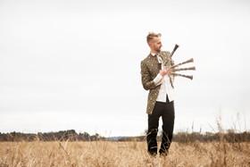 EmilJonason_clarinetfingers.jpg