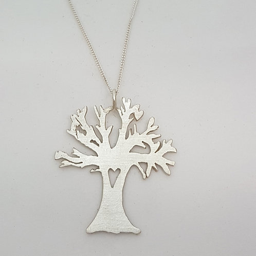 P07 - Baobab Pendant