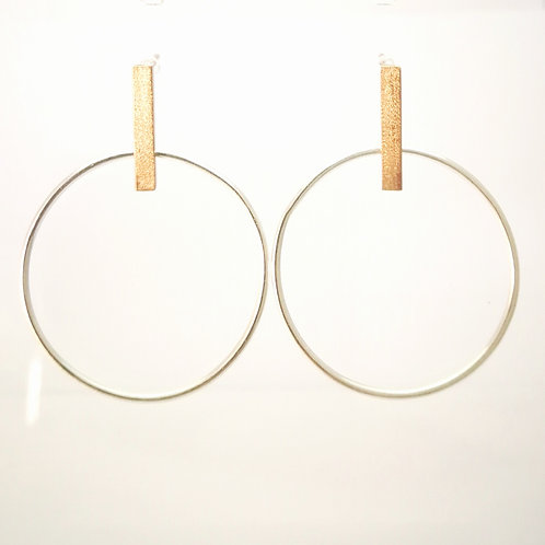 E122 Silver and gold plated hoop earrings