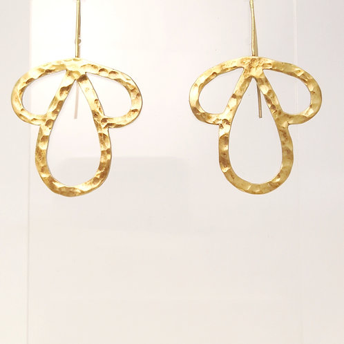 E115 Gold plated silver drop earrings