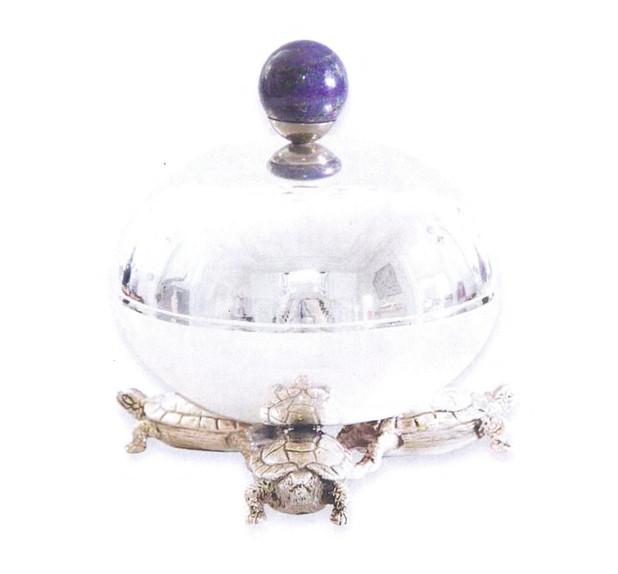 Princely Globe